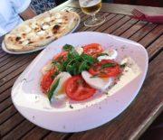 Салат Капрезе: традиционная итальянская закуска