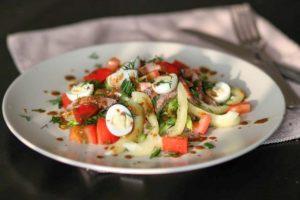 salat-s-govyazhim-yazykom-i-ovoshhami