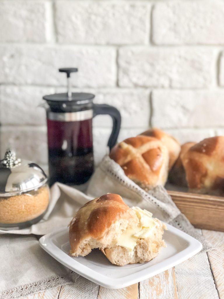 пасхальные крестовые булочки crossbuns
